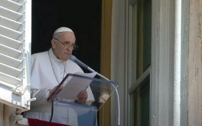 """Papież Franciszek apeluje o """"ekologię serca"""" w wakacje. Co miał na myśli?"""